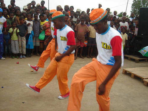 """African Dancers who inspired Beyonce's """"Run the world (Girls"""